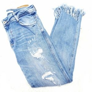 Zara | High Waisted Light Frayed Raw Hem Jeans